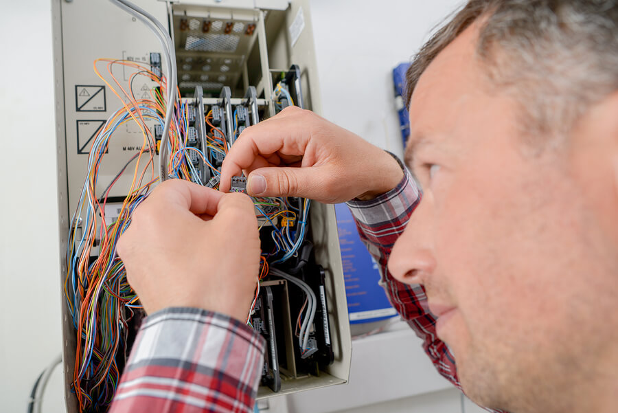 Common electrical problems shouldn't slow you down. Call Integra Electrical for service today!